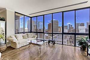 Browse active condo listings in 2016 MAIN