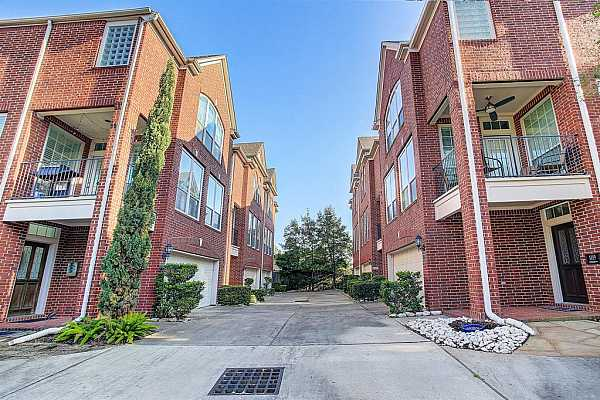 Photo #1 1413 Michigan is located in a small (6-unit) townhome complex in the heart of Montrose.  It is surrounded by new construction and older renovated housing where there is a true neighborhood feel.  The walkability factor is through the roof.